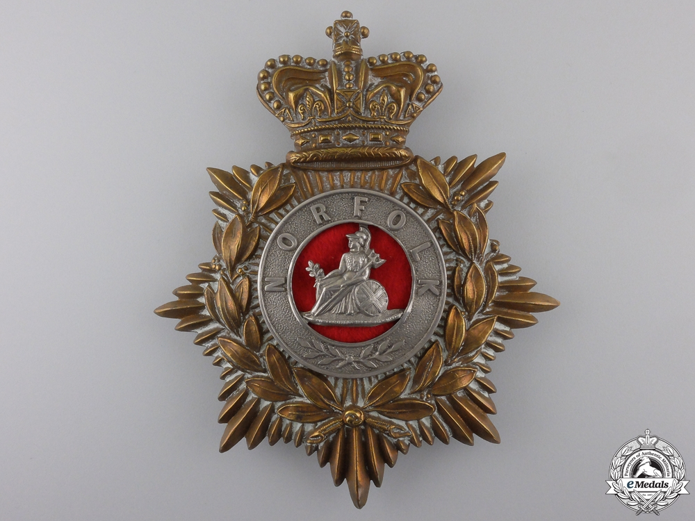 eMedals-United Kingdom. An 1881-1901 Norfolk Regiment Helmet Plate