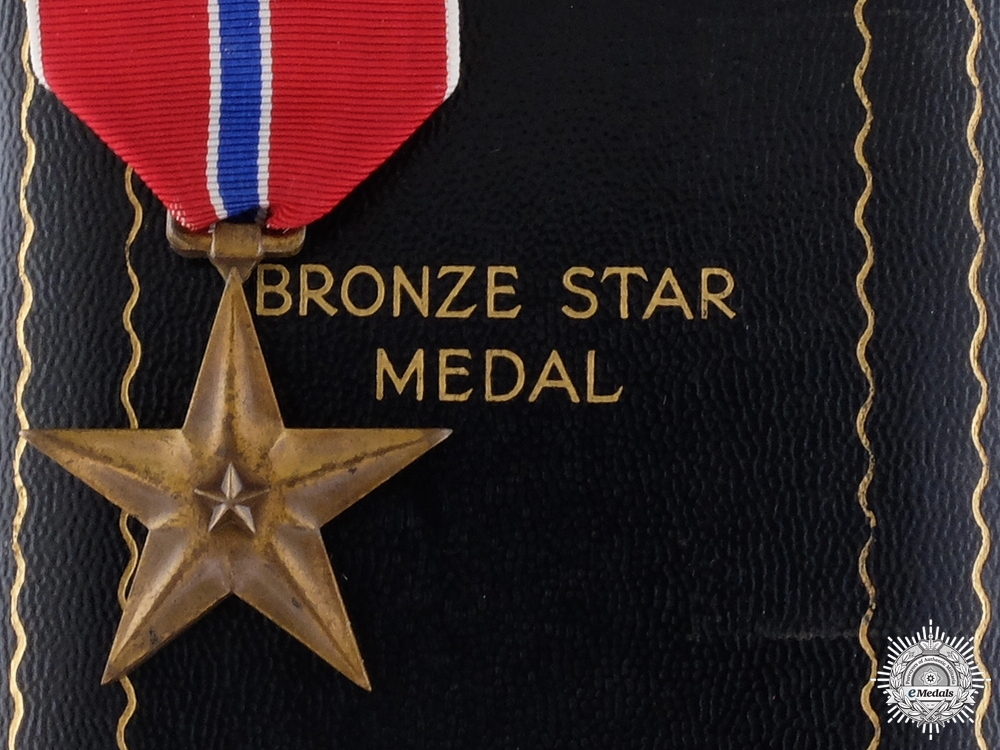 eMedals-An American Second War Bronze Star with Case