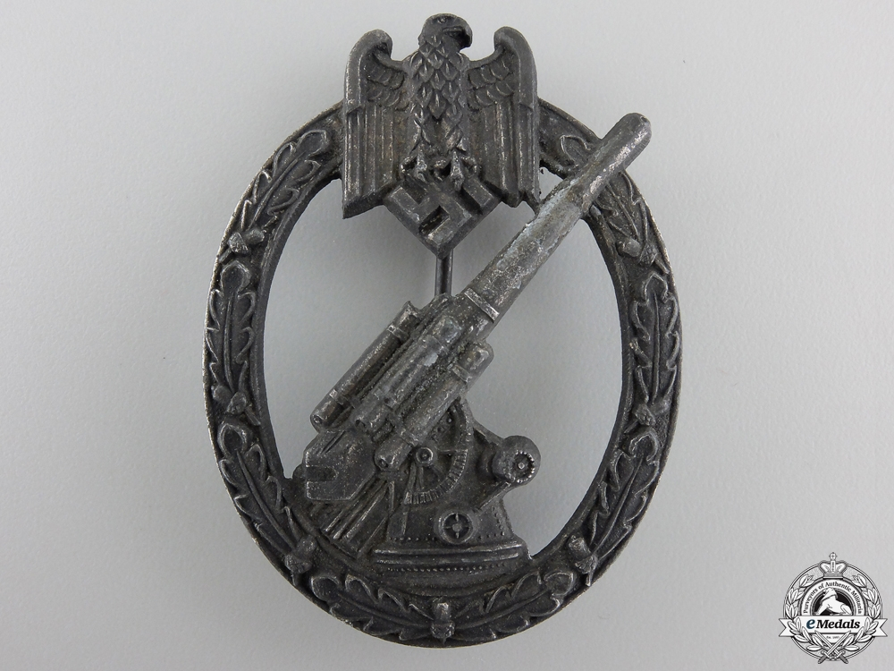 eMedals-An Army Flak Badge by Juncker