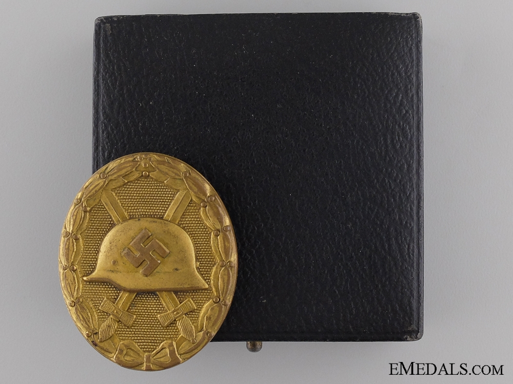 eMedals-An Early Gold Grade Wound Badge in Case of Issue