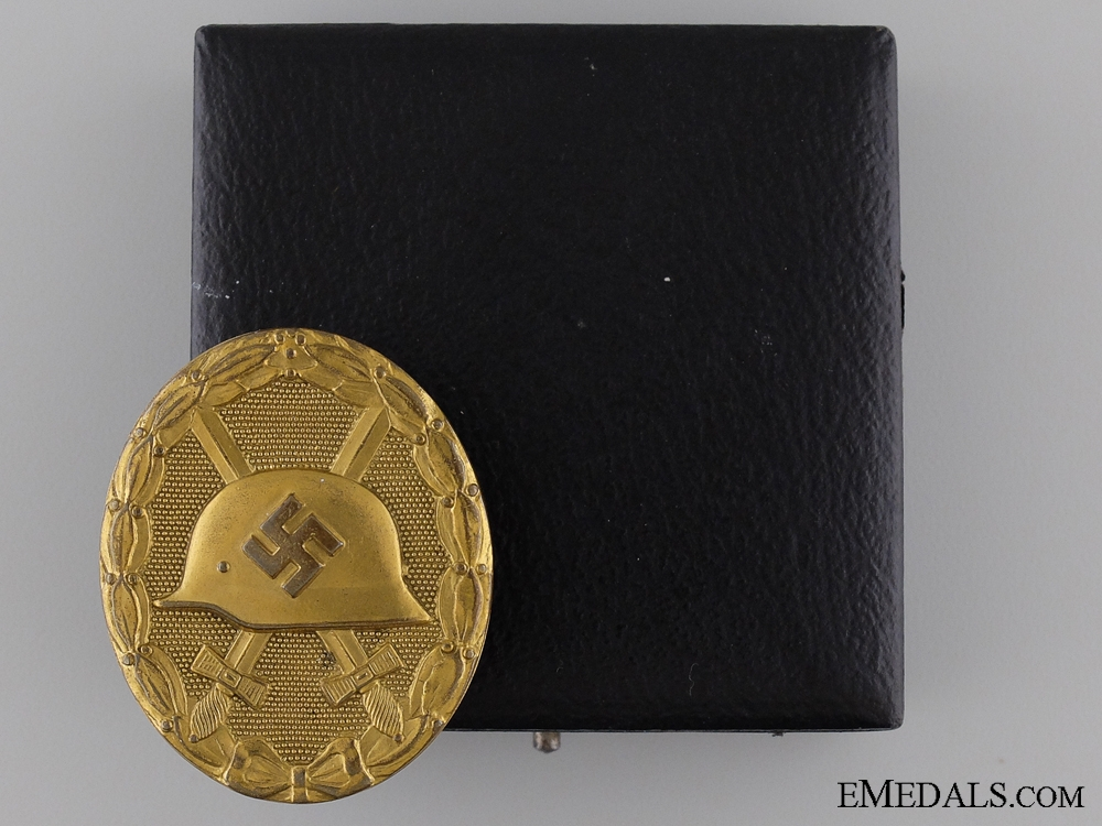 eMedals-An Early Gold Grade Wound Badge with Case of Issue