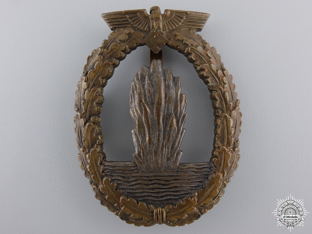eMedals-An Early Kriegsmarine Minesweeper War Badge