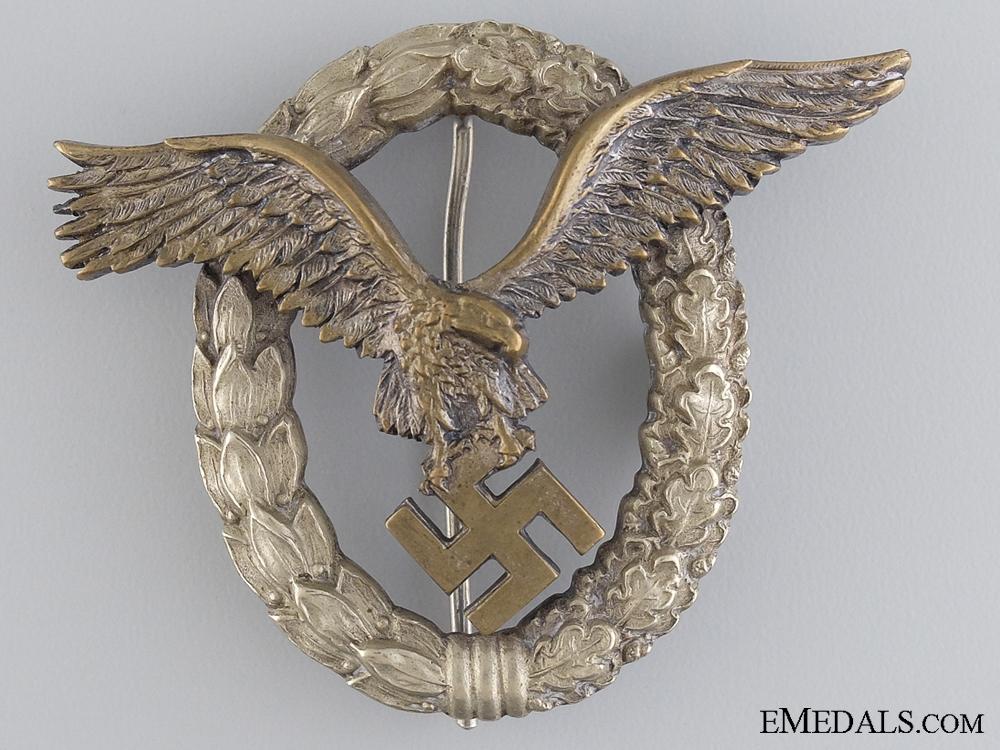 eMedals-An Early Luftwaffe Pilots Badge by Juncker