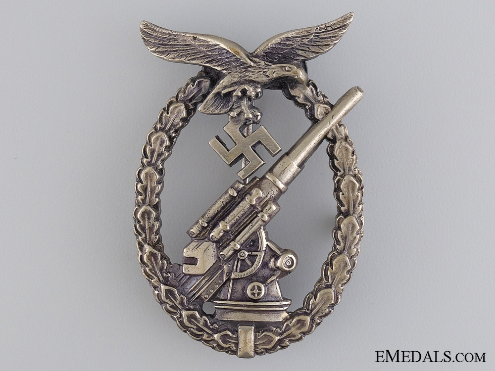 eMedals-An Early Luftwaffe Flak Badge by Juncker