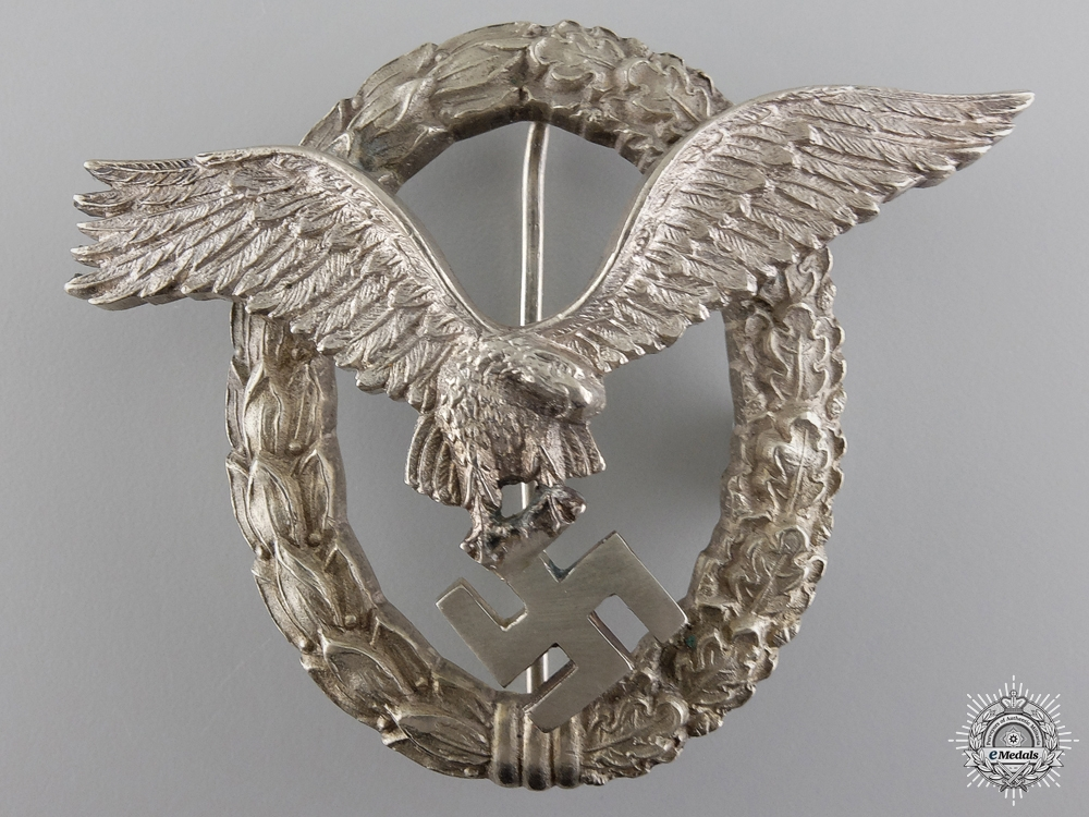 eMedals-An Early Luftwaffe Pilot's Badge by IMME