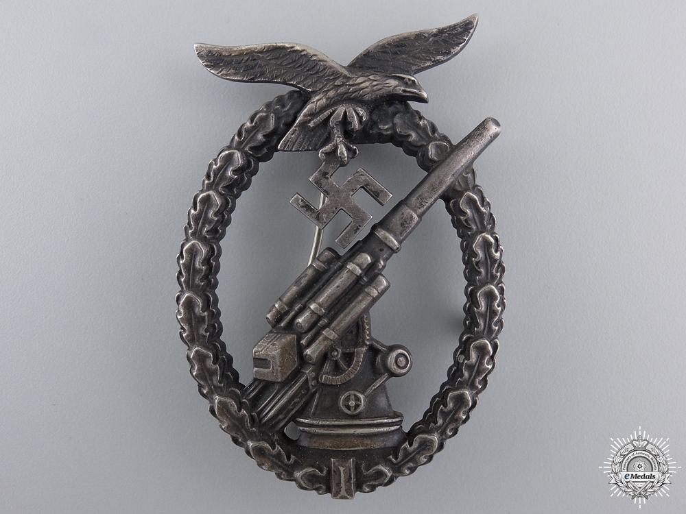 eMedals-An Early Luftwaffe Flak Badge