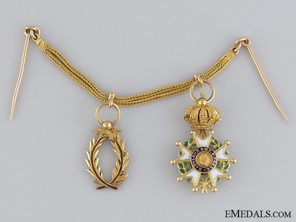 eMedals-An Exqusite French Miniature Pairing in Gold; c.1830