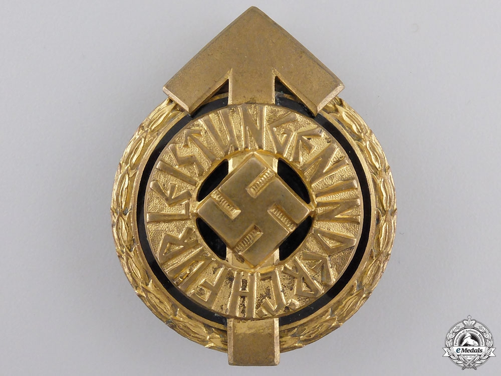 eMedals-An HJ Golden Leaders Sports Badge by Gustav Brehmer