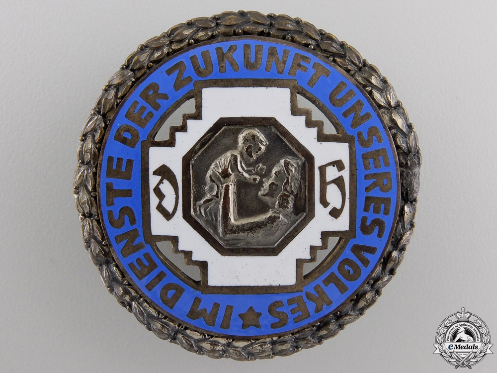 eMedals-An Honour Badge of the German State Midwife Association Badge