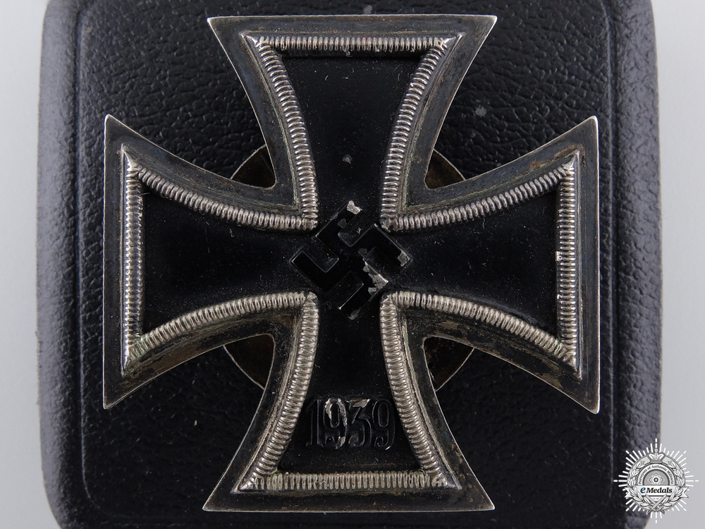 eMedals-An Iron Cross First Class 1939 with LDO Case