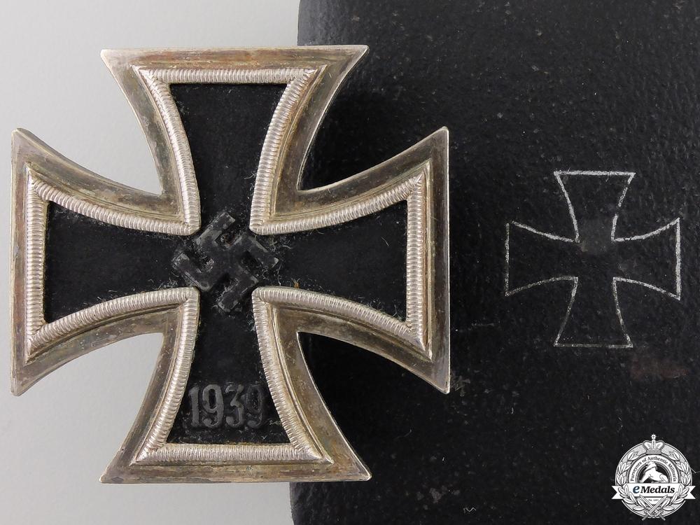 eMedals-An Iron Cross First Class 1939 by Juncker with Case