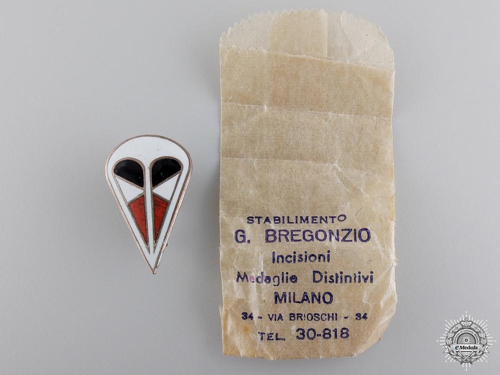 eMedals-An Italian 1st Parachute Corps Ca Badge; Mint