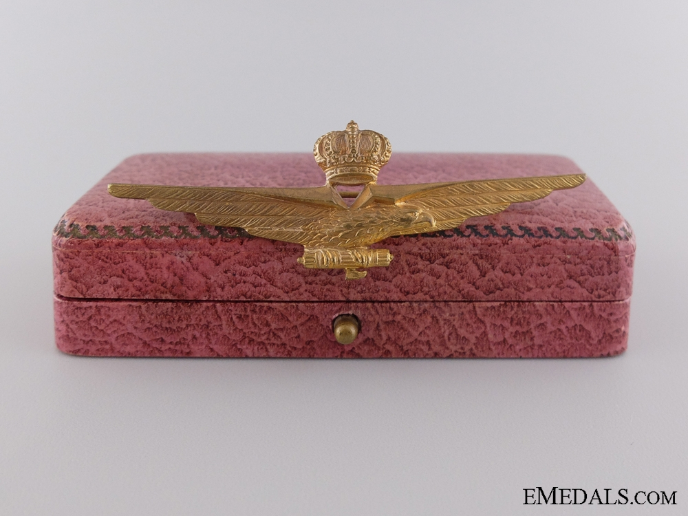 eMedals-An Italian Fascist Pilot Qualification Badge with Cased