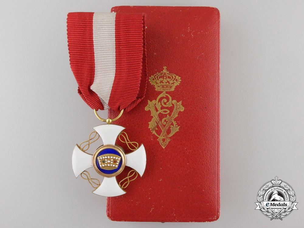 eMedals-An Italian Order of the Crown of Italy; Knight with Case