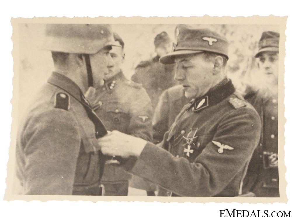 eMedals-An SS Award Presentation Photograph