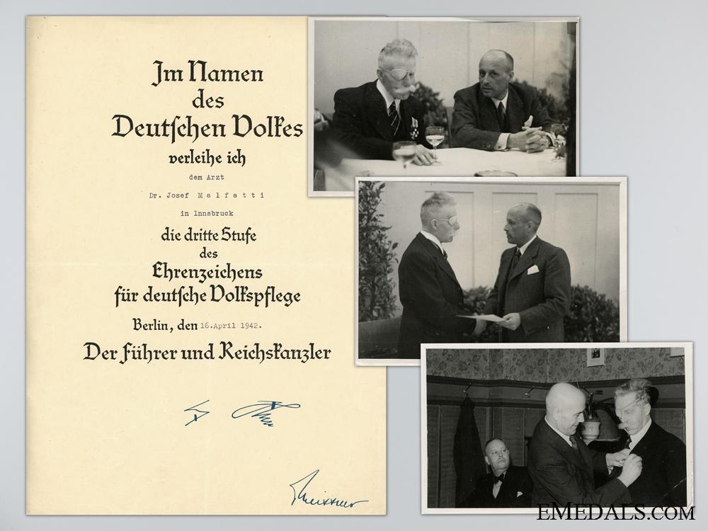 eMedals-Award Document for the German Social Welfare Award 3d Class with Photos