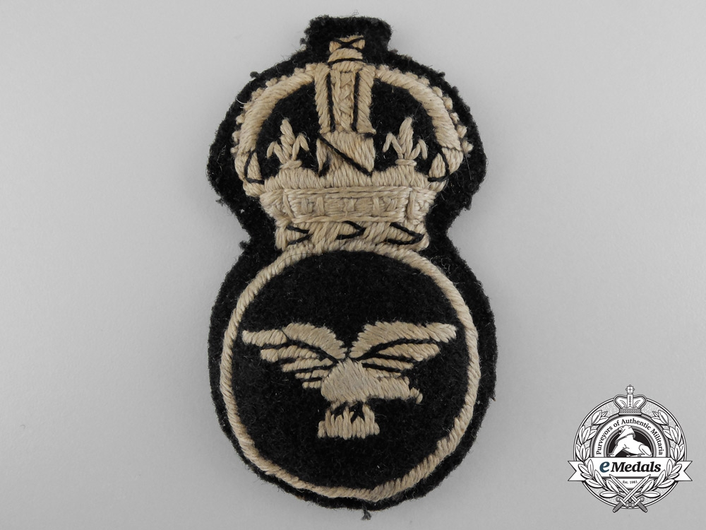 eMedals-A Scarce Women's Royal Air Force; 1st Pattern 1918 Cap Badge