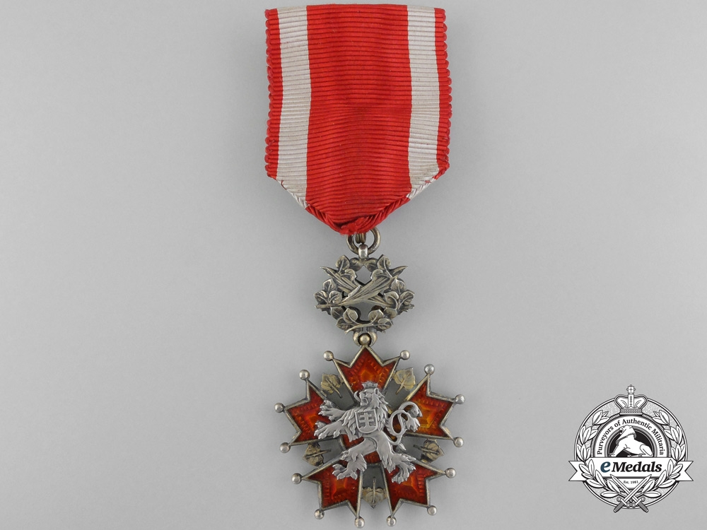 eMedals-A Czechoslovakian Order of the White Lion by Karnet & Kysely