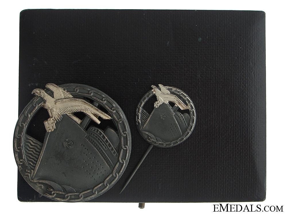 eMedals-Blockade Runner Badges - Cased Set