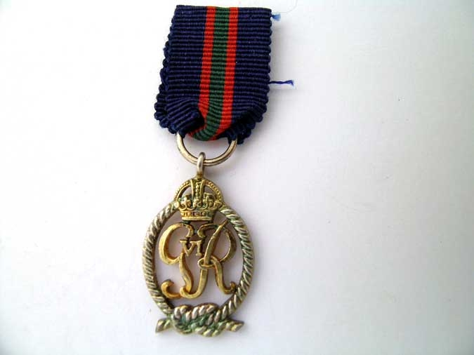 eMedals-MINIATURE   ROYAL NAVAL VOLUNTEER RESERVE DEC.