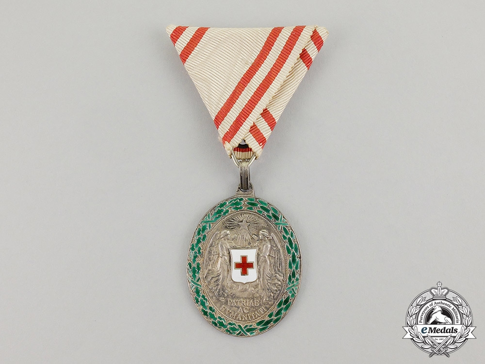 eMedals- Austria. An Decoration of the Red Cross, Silver Grade with War Decoration