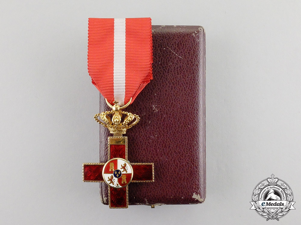 eMedals-Spain, Kingdom. An Order of Military Merit in Gold, with Red Distinction, c.1900