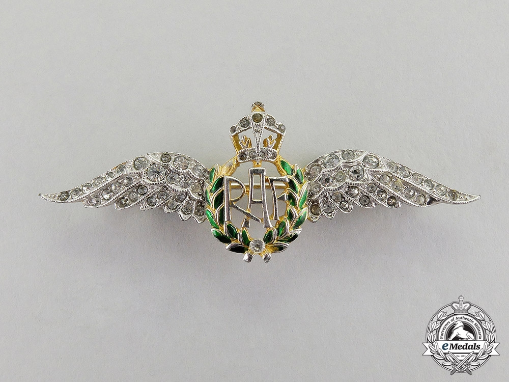 eMedals-Great Britain. A Royal Air Force (RAF) Sweetheart Badge