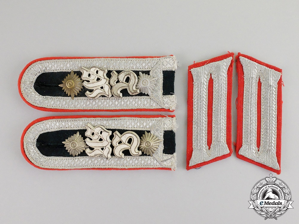 eMedals- Germany. A Set of Artillery Observer Bataillion NCO School Candidate Shoulder Boards/Collar Tabs