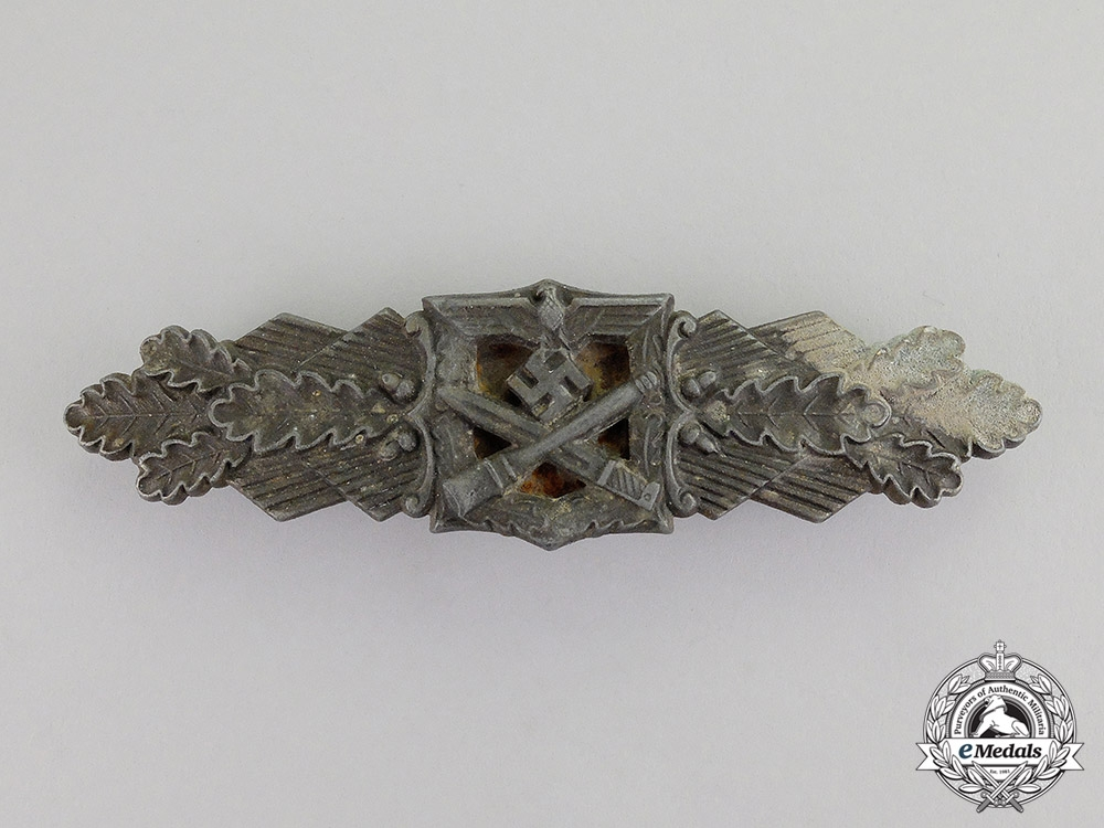 eMedals-Germany. A Bronze Grade Close Combat Clasp by Friedrich Linden