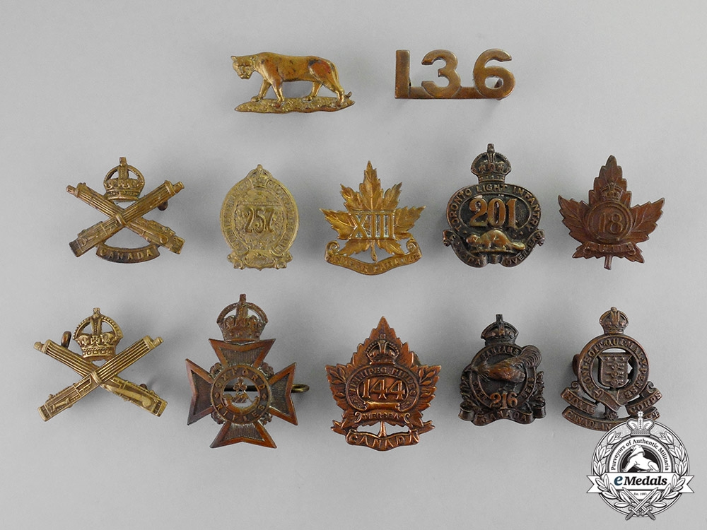 eMedals-Canada. A Lot of Twelve First War and Inter-War Insignia