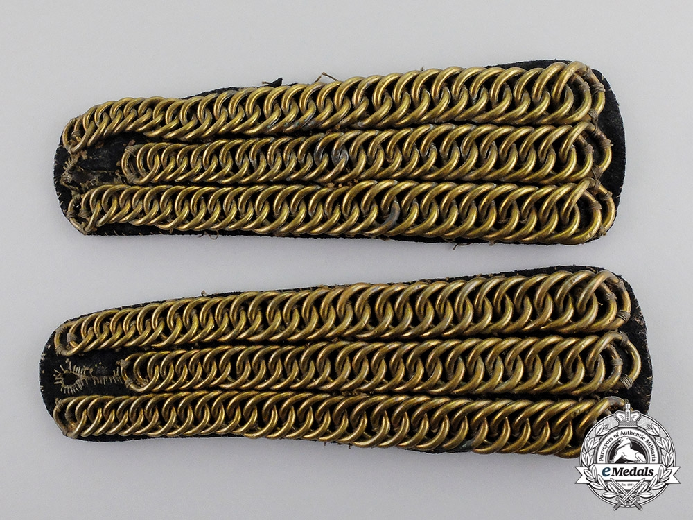 eMedals-Great Britain. A Pair of Shoulder Epaulettes