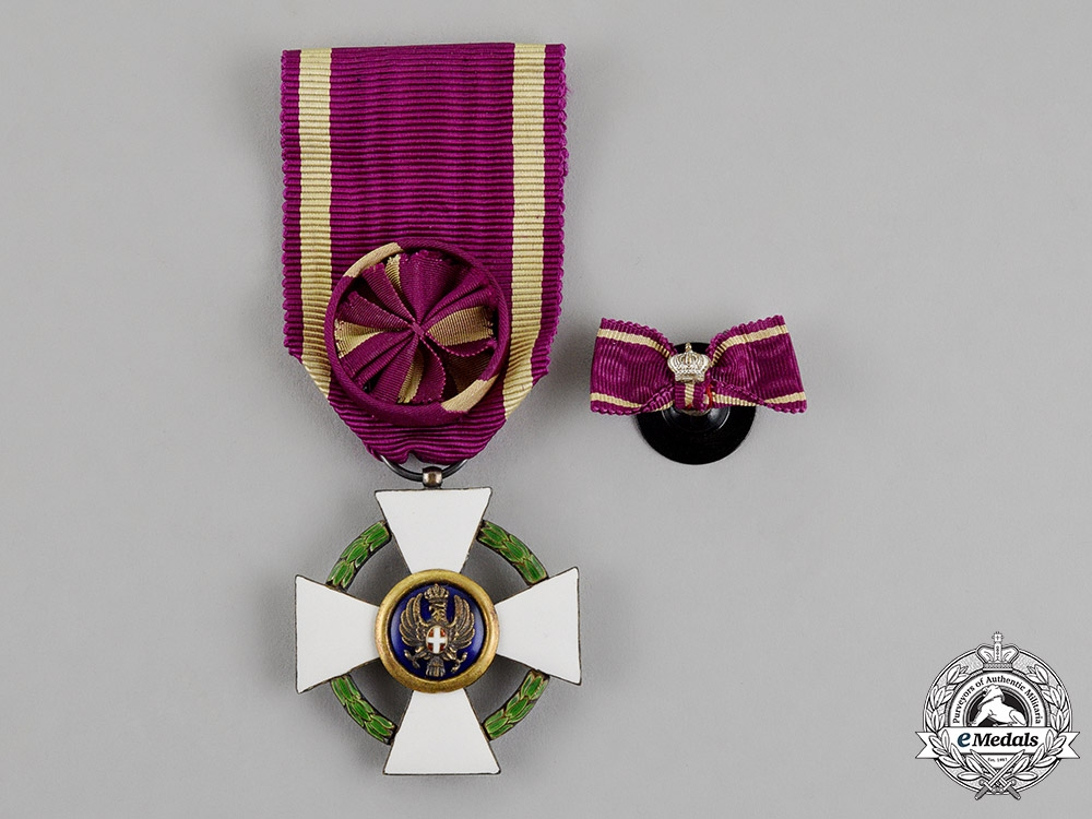 eMedals-Italy, Fascist Era. An Order of the Roman Eagle, 4th Class Officer, by Godet, c.1942