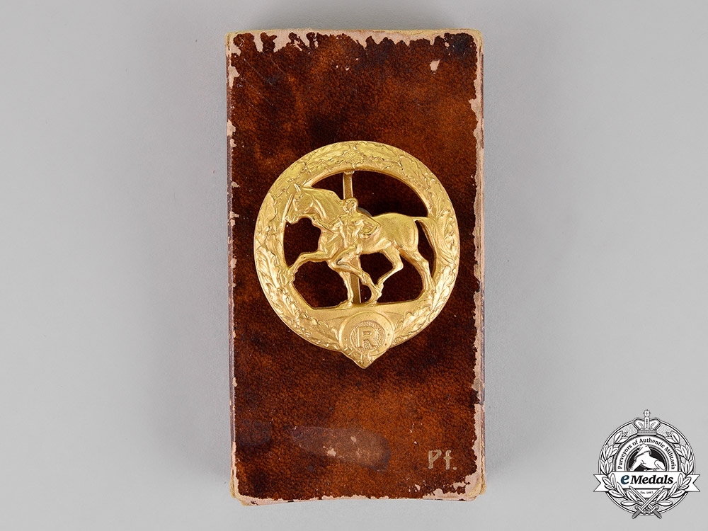 eMedals-Germany. A Gold Grade Horse Keeper's Badge in its Presentation Case of Issue by Christian Lauer