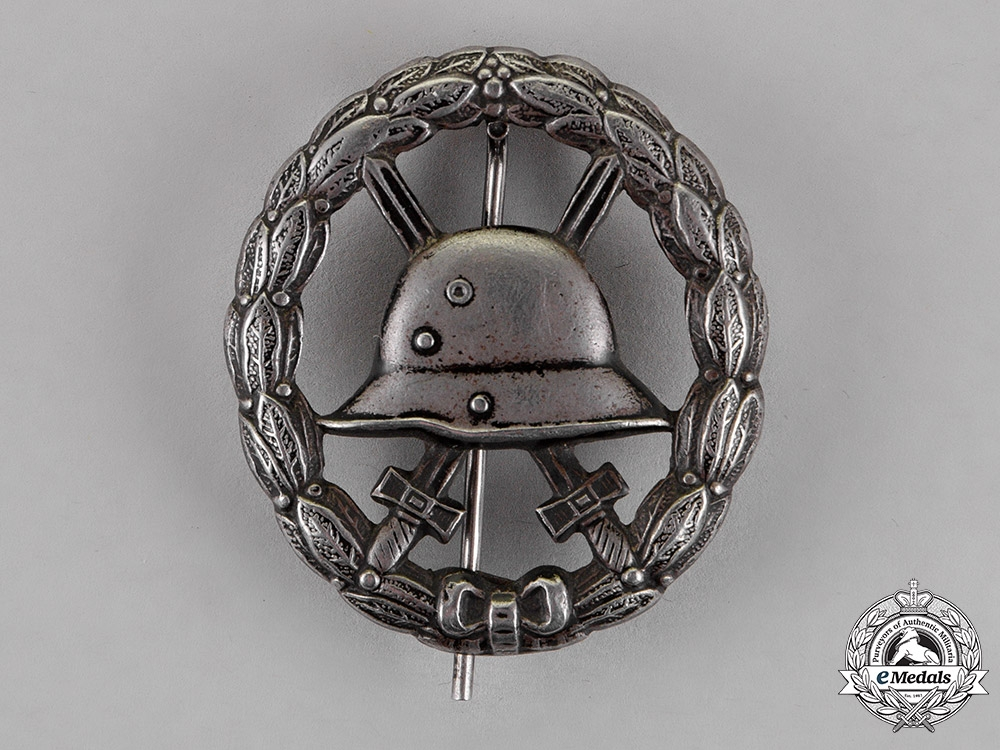 eMedals-Germany. A Wound Badge, Black Grade, Stamped Cut-Out Version