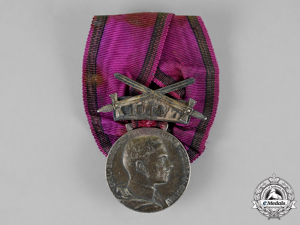 eMedals-Saxony. A Silver Merit Medal with Swords and 1914/7 Clasp