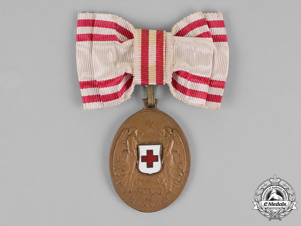 eMedals-Austria, Empire. An Honour Decoration of the Red Cross, Bronze Medal, Ladies Ribbon