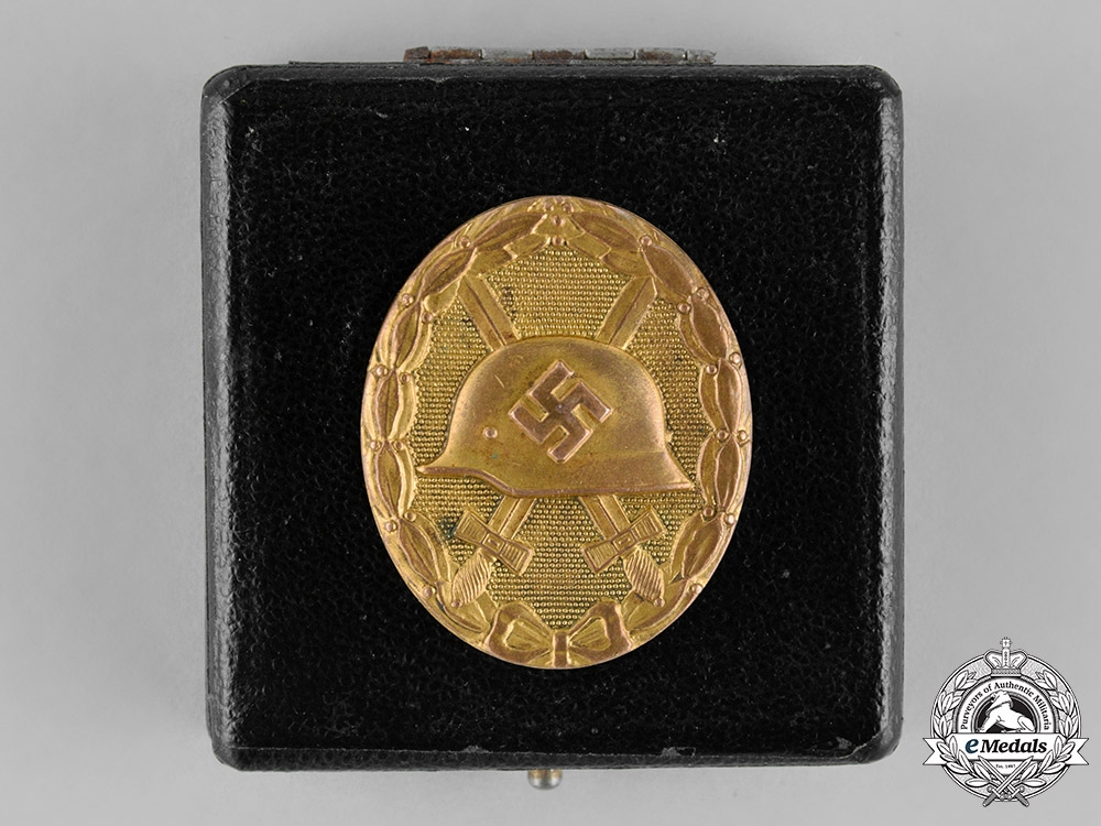 eMedals-Germany, Wehrmacht. A Cased Wound Badge, Gold Grade