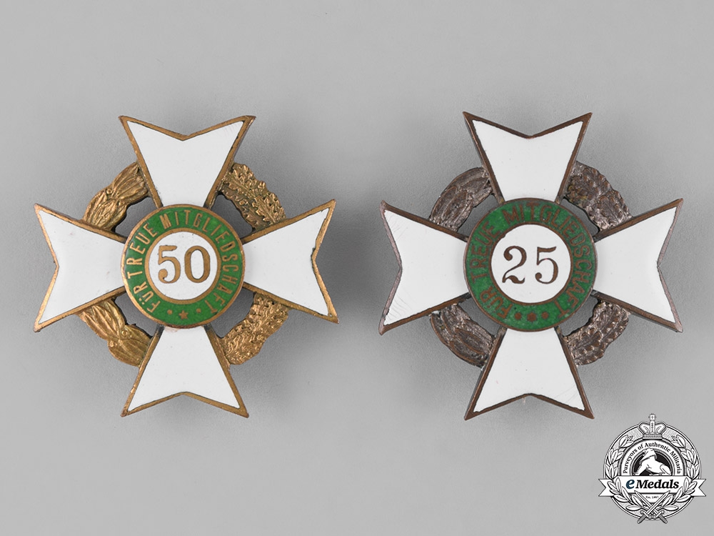 eMedals-Germany, Weimar Republic. A Grouping of Two Veteran's Association Long Membership Crosses