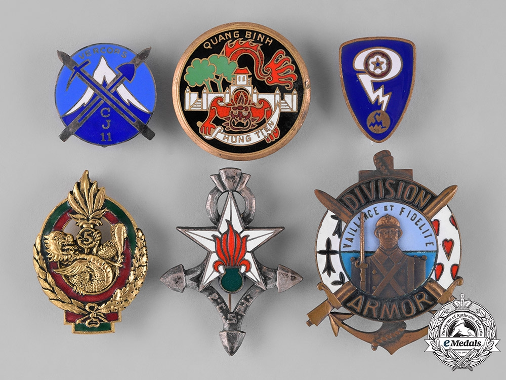 eMedals-France, Republic. Sixteen Overseas Service French Military Insignia Badges