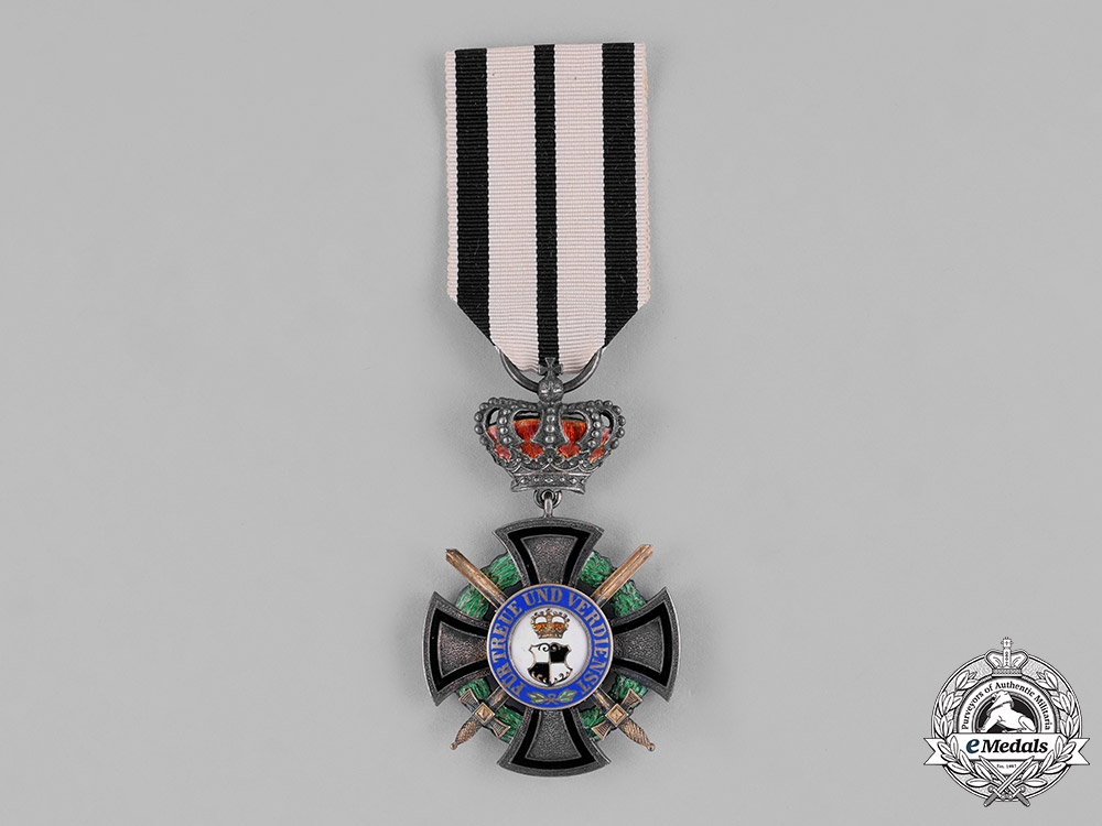 eMedals-Hohenzollern. A House Order, Honour Cross III Class with Crown and Swords, c.1914
