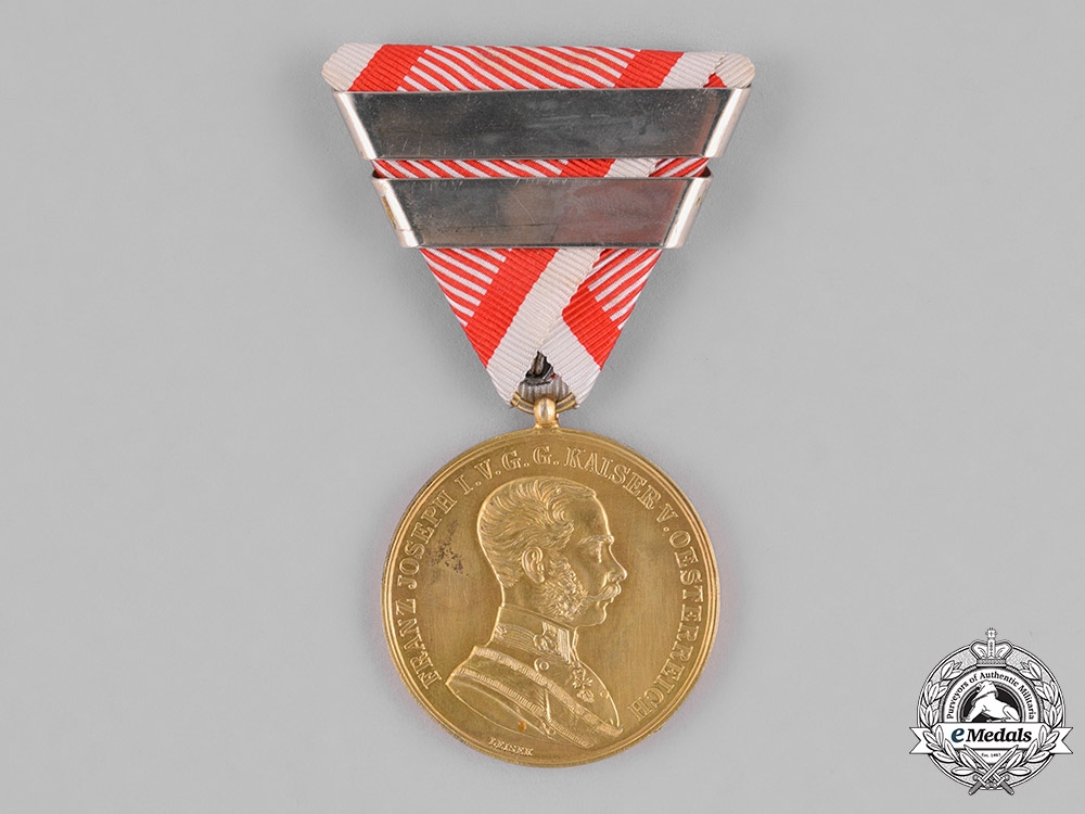 eMedals-Austria, Empire. A Gold Bravery Medal, Third Award, Privately Purchased, c.1915