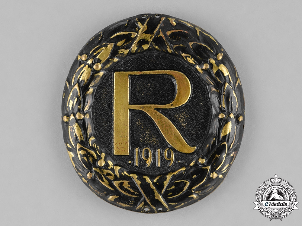 eMedals-Germany, Weimar. A Stahlhelm Reinhard Brigade Cap Badge