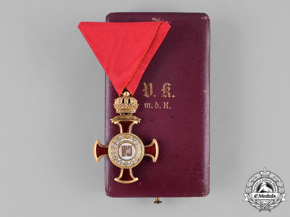 eMedals-Austria, Empire. A Golden Cross of Merit with Crown in Gold, by Braun, c.1900