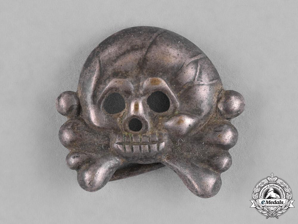 eMedals-Germany, Heer. A Heer (Army) Panzer Collar Tab Skull
