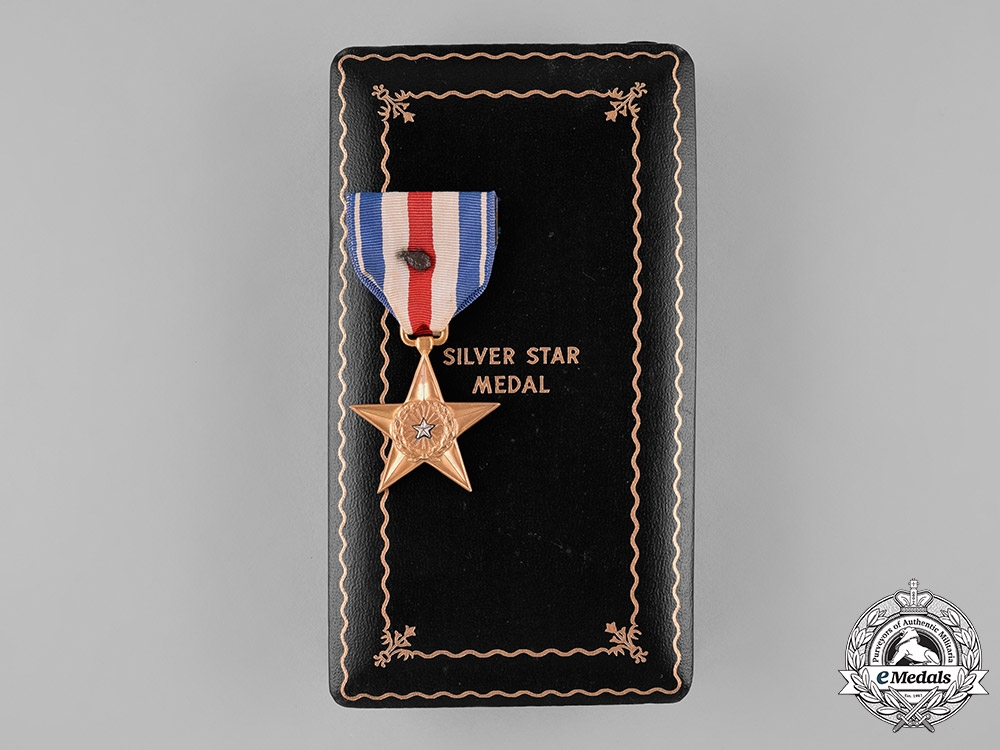 eMedals-United States. A Silver Star Medal with Oak Leaf Cluster, c.1945