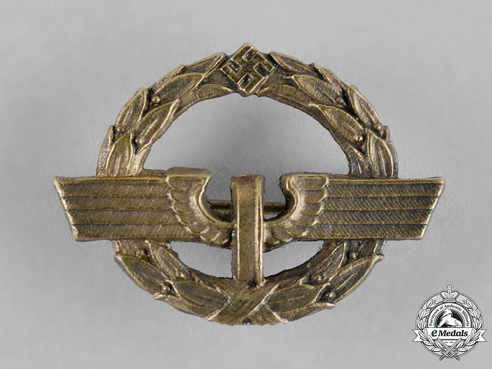 eMedals-Germany, Reichsbahn. A Very Rare German Female Railway Staff Service Badge, Gold Grade, C.1944.