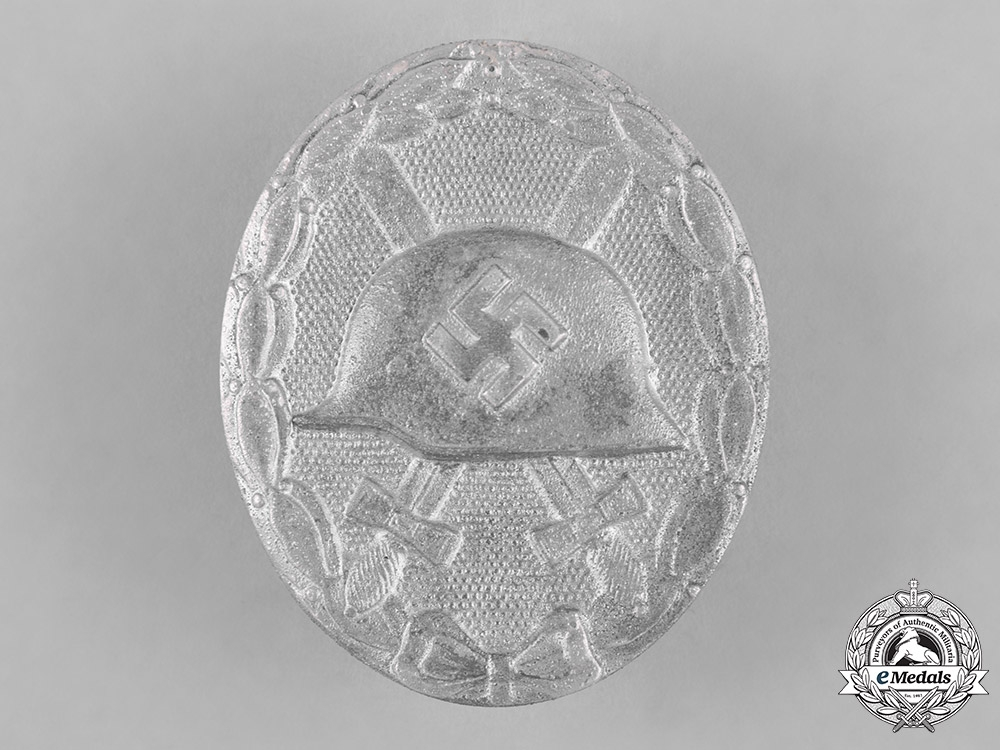 eMedals-Germany, Wehrmacht. A Silver Grade Wound Badge, by Wächtler & Lange