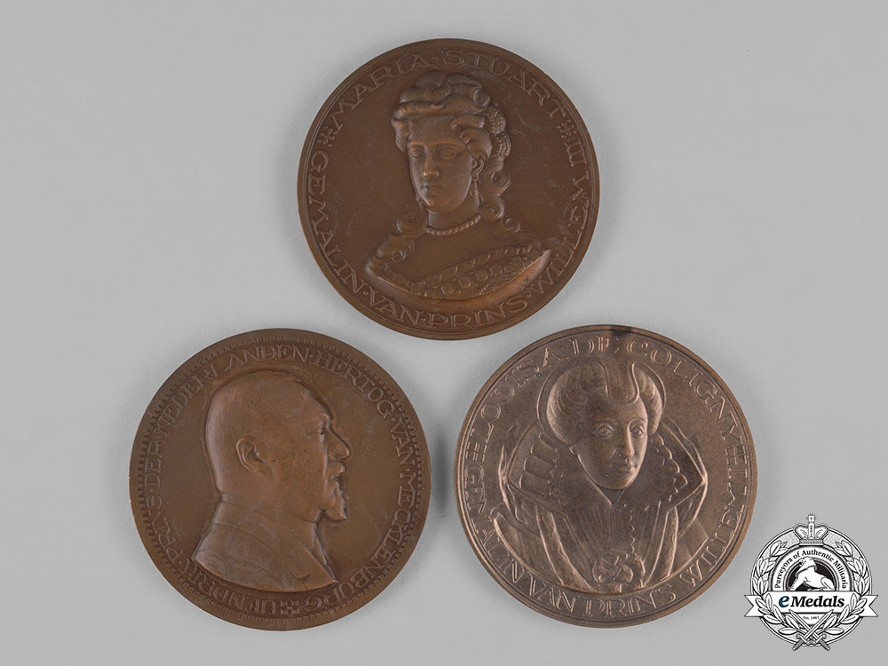 eMedals-Netherlands, Kingdom. Three Royal Medallions, c.1950