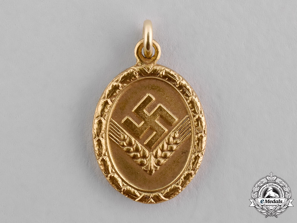 eMedals-Germany, RAD/wJ. A Gold Grade Reich Labour Service of Young Women (RAD/wJ) Faithful Service Medal