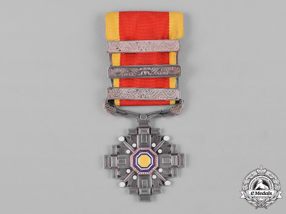 eMedals-China, Manchukuo, Japanese Occupation. An Order of the Pillars of State, VI Class, c.1940